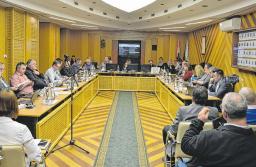 Csökkent a képviselők tiszteletdíja